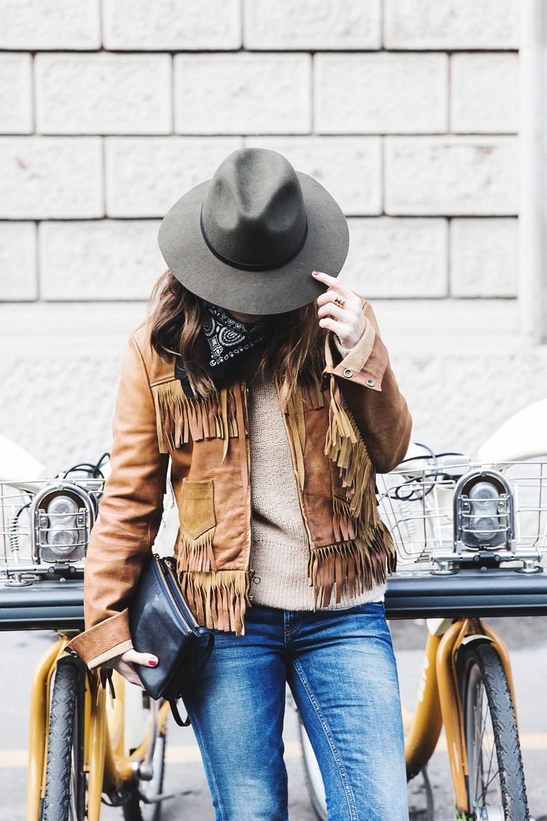 Milan_Fashion_Week-Polo_Ralph_Lauren_Fringed_Jacket-Topshop_Jeans-Bandana-Hat-Outfit-Street_Style-MFW-23-790x1185