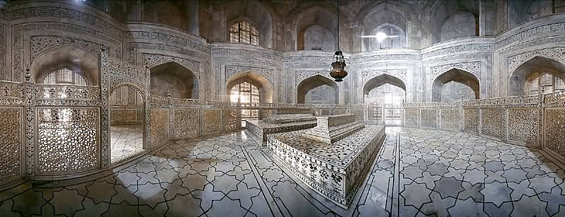 Taj-Mahal-Inside-Picture