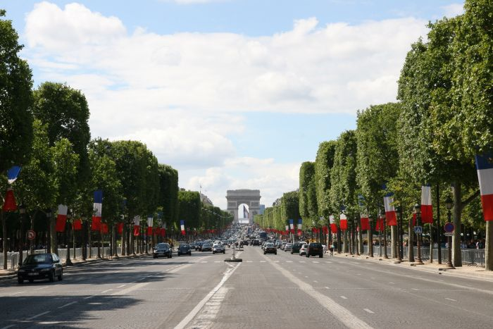 champs-elysees-7