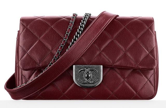 bolsa-chanel-flap-bag-with-waist-chain-4400