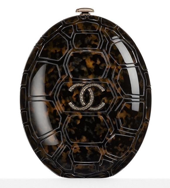 bolsa-chanel-plexiglass-turtle-shell-minaudiere