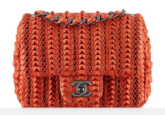 bolsa-chanel-small-lambskin-embroidered-flap-bag-3200